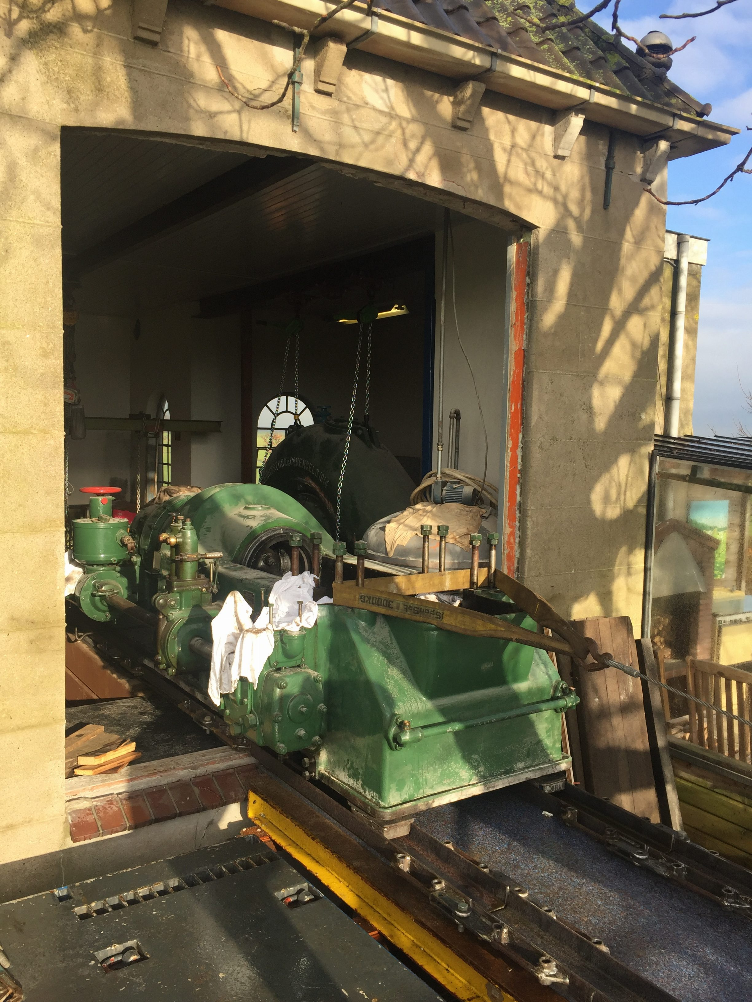 verhuizing oude diesel motor e1500035725400